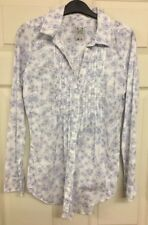 Crew Clothing Ladies White Blue  Floral Print Shirt Size 6 Pin Tuck Front Cotton