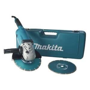Makita Winkelschleifer GA9020RFK3 im Koffer mit 2 Diamanttrennschieben, 230 mm