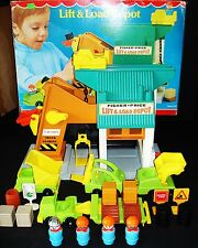 VTG FISHER-PRICE LIFT & LOAD DEPOT CONSTRUCTION SET COMPLETE + EXTRAS IN BOX!