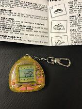 Giga Pets Compu Kitty Yellow Edition 1997 - fresh batteries - Instructions B7