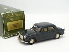Lansdowne Models 1/43 - Rover P5 MKII Verte 1965