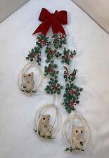 Vtg Mid-Century CHRISTMAS Felt Bow Teddy Bears In Cage Swing Plastic Door Wreath