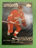 1997-98 Upper Deck Smooth Grooves #SG19 Steve Yzerman Detroit Red Wings Insert