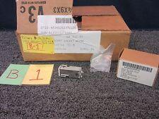 EATON MILITARY SURPLUS AIRCRAFT GALAXY C-5 PLANE DASH PANEL BUTTON SWITCH 1233-6