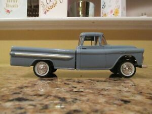0414c  1959 Chevrolet Fleetside Pickup promo model truck by SMP with box