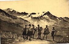 SCOUT - Nos éclaireuses dans les alpes - Les joies du camp volant un spectacle