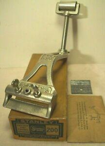 1912~STANLEY R&L~NO. 200~NIB~CUTTER & CHISEL GRINDER~PLANE IRON SHARPENING VISE~