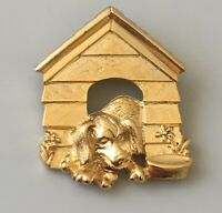 Adorable Vintage dog In Dog House brooch in gold tone metal