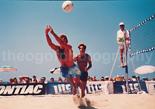 Vintage FOUND PHOTO Pro VOLLEYBALL ACTION Color FREE SHIPPING Original MAN 7211