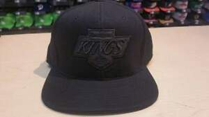 Mitchell & Ness NHL Los Angeles Kings Old School Logo Blacked Out Fitted Hat Cap