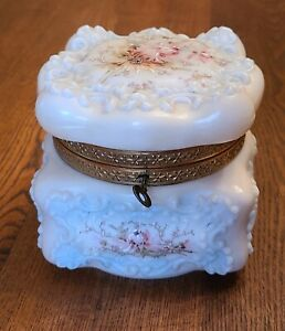 "ANTIQUE VICTORIAN WAVECREST DRESSER BOX W/ KEY & SATIN LINING FLORAL 5"" X 4.75"""