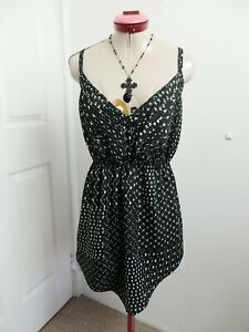 CITY CHIC Black White TOP Size 16 Triangle Print Sleeveless Buttons Pleated