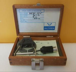 "Instron 2630-005 2.0"" Length, .0200"" Range, Strain Gage Extensometer + Wood Case"