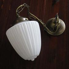 Lámpara colgante estilo moderno opalino forma gota blanco latón