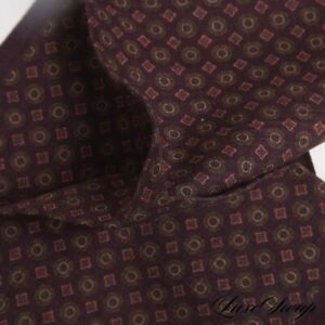 NWOT Made in Italy 100% Wool Wine Berry Challis Medallion Mosaic Pocket Square