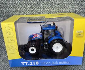 4045 1/32 Universal Hobbies New Holland T7.210 Union Jack Edition