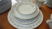 China Dinnerware Set Royal Gallery Suzanne 3134 Platinum trim EUC 65 piecs