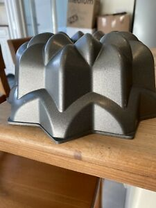 Nordic Ware Bundt Pan 'Solero' Baking Pan