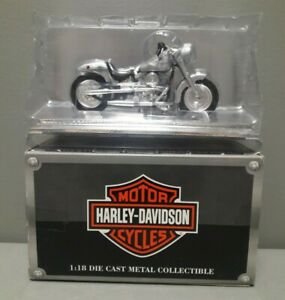 HARLEY DAVIDSON MOTORCYCLES STREET STAKLER 1:18 SCALE DIE CAST COLLECTIBLE WH