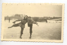Portraits hommes patins à glace photo ancienne tampon Stalag IA an. 1940