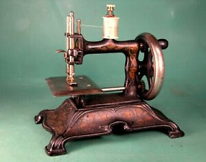 ** NICE ** MULLER  No. 15 * CAST IRON * TOY SEWING MACHINE * Pre- WWII *