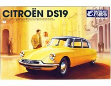 EBBRO ART. 25005-7800  CITROEN DS19 1/24