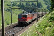PHOTO  SWITZERLAND 2006 MIDDLE LINE WASSEN CLASSIC SWISS SCENE  TO ITALY