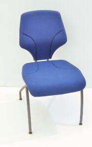 Giroflex Besucherstuhl 64-3204, Bezug blau , Gestell anthrazit