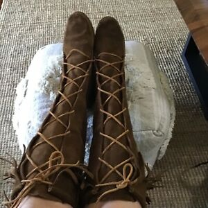 Minnetonka Brown Suede KneeHigh Lace up Boots