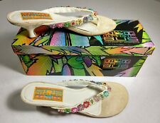 Arteffects Magic Bus White Sandal with Beaded Flowers New in Box Size 7 Heel