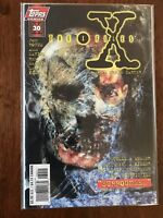 X-Files Surrounded 30 Part 1 of 2 June 1997 Topps Comics FREE Bag/Board Carter
