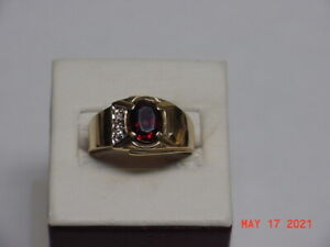 10K YELLOW GOLD MAN'S RUBY COLOR STONE & DIAMONDS RING SIZE 10.2 GRAMS 4.3  26-D