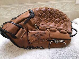 """Mizuno GPL-1102  11"""" Youth Baseball Softball Glove Right Hand Throw"""