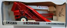 New ListingErtl 1/16 McCormick International Harvester Special Edition 1-Pr Corn Picker