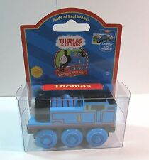 2004 THOMAS THE TANK & FRIENDS-WOOD THOMAS *NEW IN BOX*RED LABEL*COLLECTOR CARD!