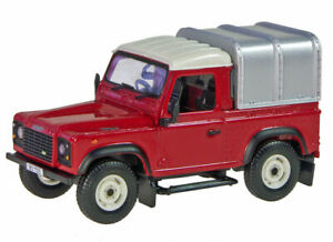 Land Rover Defender Ute with Canopy -  1/32