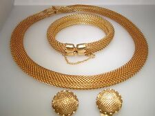 RARE VINTAGE NAPIER GOLD TONE ROUND MESH PARURE! NECKLACE BRACELET & EARRINGS!