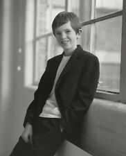 FREDDIE HIGHMORE UNSIGNED PHOTO - B1463 - FINDING NEVERLAND, AUGUST RUSH