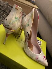 Ted Baker Heels Size 39/6 Flowers Nude Pink high back pointed court shoe