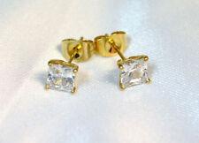 Boucle d'oreilles acier Gold ( or)  pierre carre  5mm oxyde de zirconium