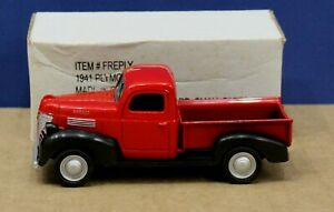 Motormax 1:43 O Scale 1941 Plymouth Pickup Red Mint/ Box