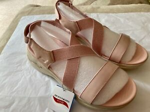 SKETCHERS Go Walk Arch Fit Sandal UK SIZE 7 Rose / Pale Pink NEW IN BOX Immac
