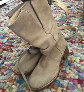 JUICY COUTURE WOMENS BOOTS LEATHER UPPER SOLE MADE IN SPAIN NEW SZ 5
