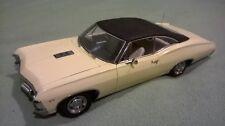 Superbe miniature US 1/18 1967 Chevrolet Impala SS jaune