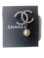 Chanel Gold Metal CC Pearl Brooch Pin Badge