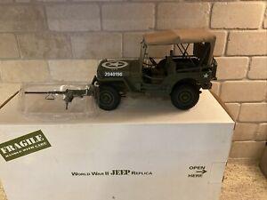 Danbury Mint World War II Jeep Replica (mirror broke off)w/box