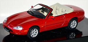 Jaguar XK-8 Roadster 1996-2005 Type: X100 Red 1:43 Autoart