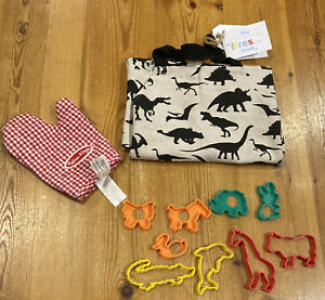 Ffres Junior Cooking Apron, Melissa and Doug Toy Oven Glove & 9 Cookie Cutters
