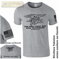Maglia T-SHIRT GILDAN Navy Seals USA Marines Maglietta Uomo STAMPA SERIGRAFICA G