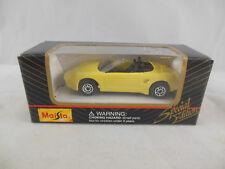 Maisto 11001 Porsche Boxster Convertible Primrose Yellow scale 1:64 Boxed 2000